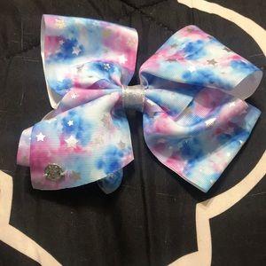 I am selling a Jojo siwa Rainbow Bow